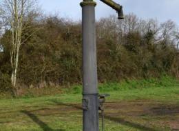 Pompe du tacot Saint-Saulge