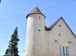 Ancien château de Garchy Nièvre Passion