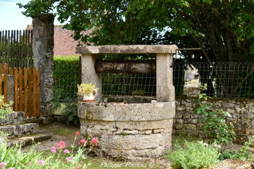 Ancien puits d'Arzembouy