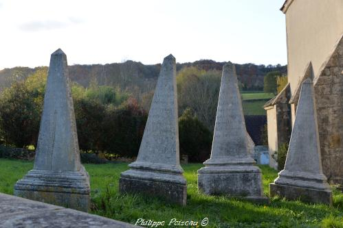 Anciennes pierre tombale de Chazeuil