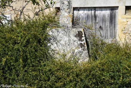 Croix monumentale de Sur Yonne