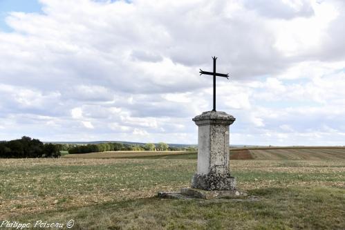 Croix de Saint Quentin sur Nohain Nièvre Passion