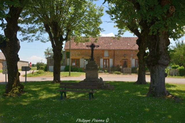 Croix de carrefour d'Ourouër