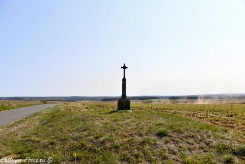 Croix de carrefour de Latrault Nièvre Passion