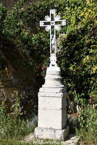 Croix de source de Trucy l'Orgueilleux Nièvre Passion