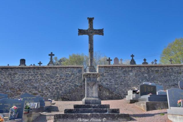Croix monumentale du Cimetière de Ternant