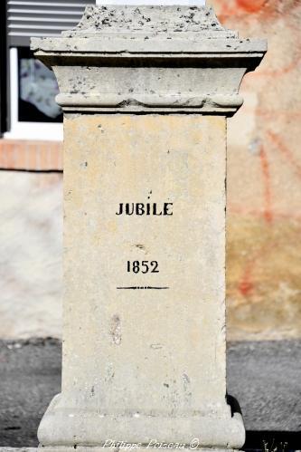 Stèle de Trucy l'Orgueilleux Nièvre Passion