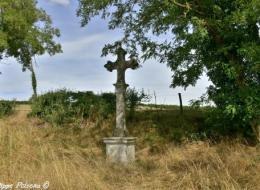 Croix monumentale de Valentinges Nièvre Passion