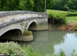 Pont du village de Rix Nièvre Passion