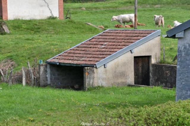 Lavoir du hameau de la gare de Razou