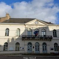 Mairie de Lormes - Hôtel de ville de Lormes