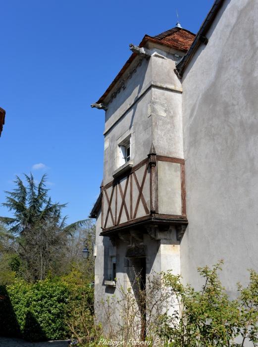 Maison aux sculptures de Suilly-la-Tour