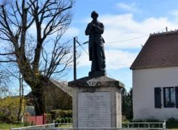 Monument aux morts de Saint Benin Des Bois