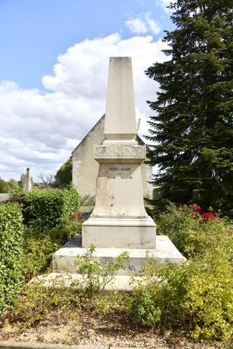 Monument aux morts de Saint Quentin Nièvre Passion