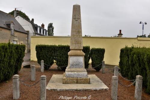 Monument aux morts de Sermoise