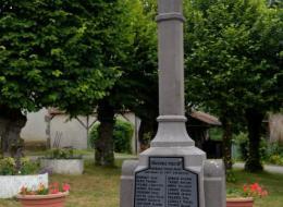 Monument aux morts de Neuville lés Decize