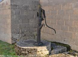 Pompe à bras de Chamery