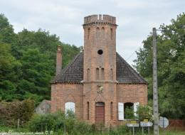 La tour de Toury Lurcy