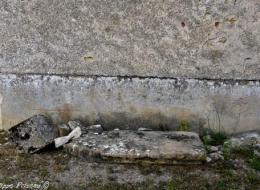 Pierre des Morts de Devay Nièvre Passion