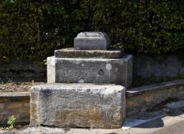 Pierre des morts de Trucy-l'Orgueilleux Nièvre Passion
