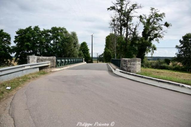 Pont du canal à Maison Neuve