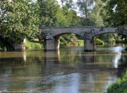 Pont sur l'Yonne à Asnois