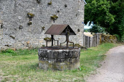 Puits de la commune d' Arzembouy