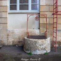 Puits de l'ancienne Halle de Prémery - Patrimoine