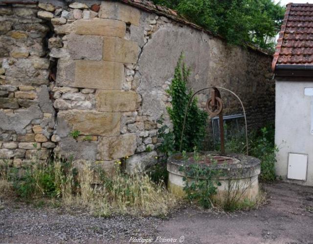 Puits de la maladrerie Saint-Lazare