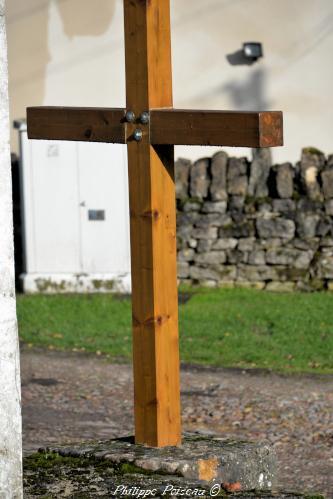 La croix de carrefour à Saint Sulpice