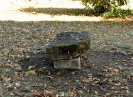 Pierre des morts de Montigny aux amognes