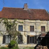 Malicorne et ses anciennes demeures - Patrimoine