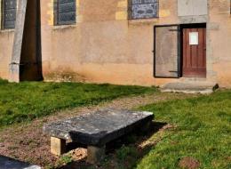 pierre des morts d'aunay en Bazois