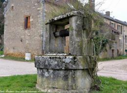 Puits du village de Vignol