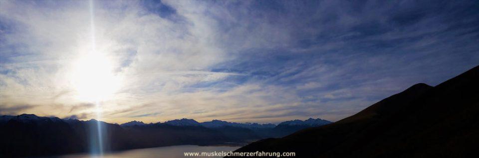 Berge Himmel Sonne Muskelschmerzerfahrung.com