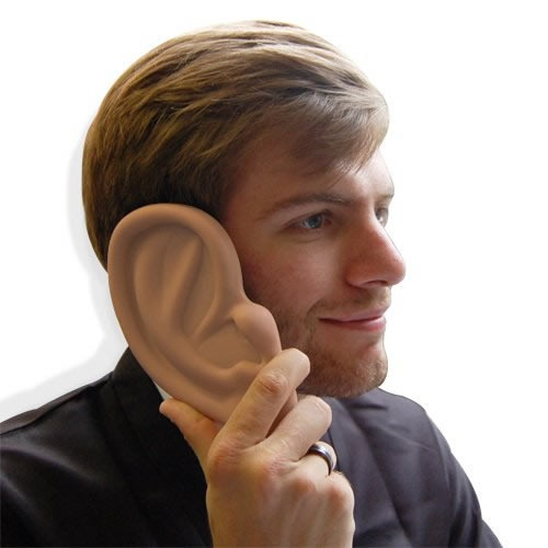 case-iphone-forma-oreja-gigante