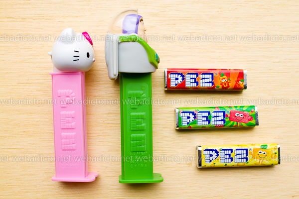 review-pez-buzz-ligthyear-and-hello-kitty-11