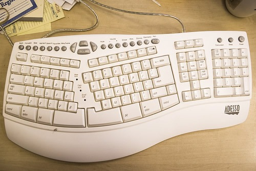 teclado-de-la-computadora-ergonomico-2