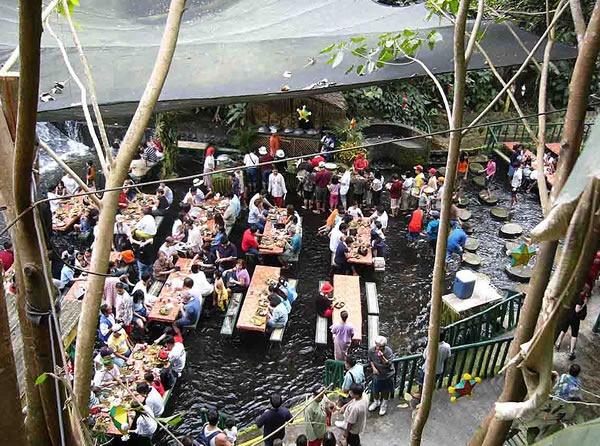 villa-escudero-resort-restaurante-catarata-02