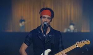 Mark The Hammer: è uscita la sua nuova canzone, Senza Talento – Youtuber, nel videoclip tante star di internet, ecco il testo