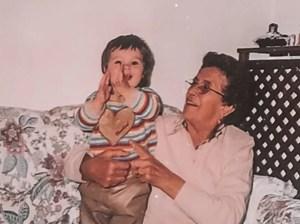 """Sofia dalle Rive ricorda la nonna scomparsa: """"Due settimane fa un pezzo di cuore se ne è andato"""""""