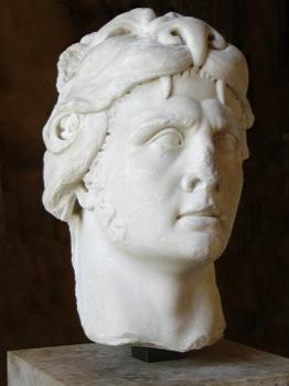 Efigie de Mitríades VI en el museo del Louvre