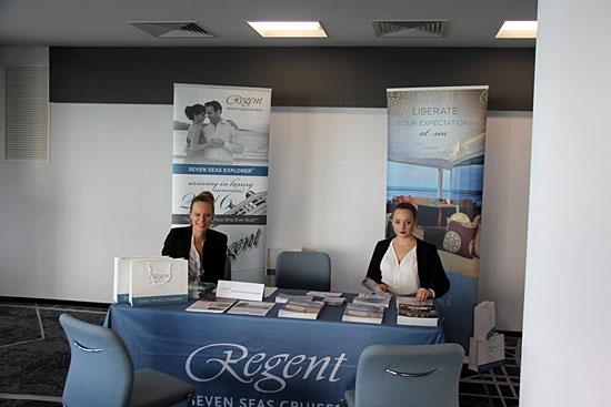 Le stand de la compagnie Regent Seven Seas Cruises