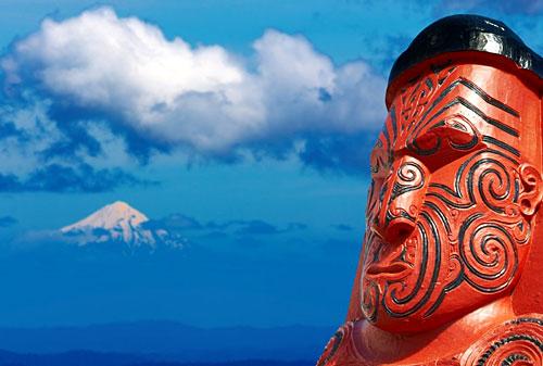 Statue maori
