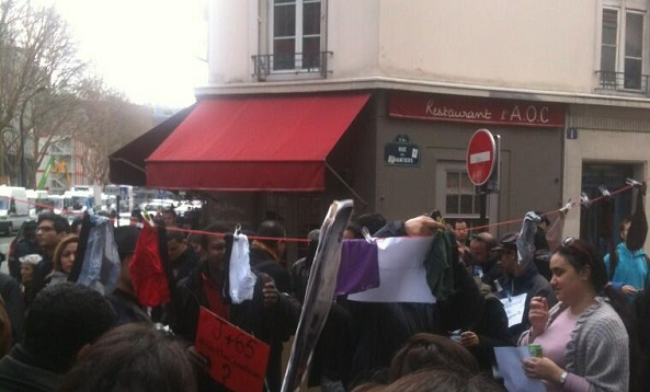 Marzouki, le linge sale, Paris, 12-04-13 - photo (#Firas_Abid)