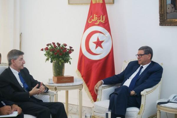 Jacob Walles et Habib Essid | Photo : Présidence du Gouvernement