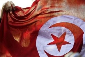 Manifestation à Tunis marquant le 4e anniversaire de la révolution de janvier 2011. Le prix Nobel de la Paix 2015 a été attribué au Dialogue national tunisien pour sa contribution à la transition démocratique depuis la révolution. Le Dialogue national tunisien est un quartet qui regroupe l'UGTT (premier syndicat), l'Utica (patronat), l'Ordre des avocats et la Ligue tunisienne des droits de l'Homme. /Photo prise le 14 janvier 2015/REUTERS/Anis Mili
