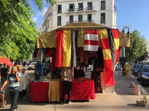 Vendeur de drapeaux pour le derby (Photo : Mohamed Ali Sghaier)