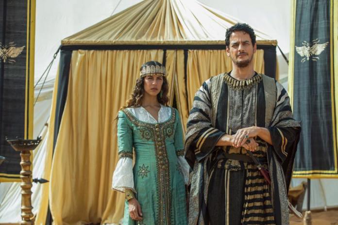 Khaled Abol Naga en Ziyadat Allah dans une scène de Vikings
