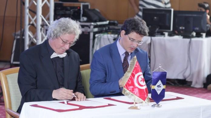 Signature d'une convention entre les JCC et La Poste